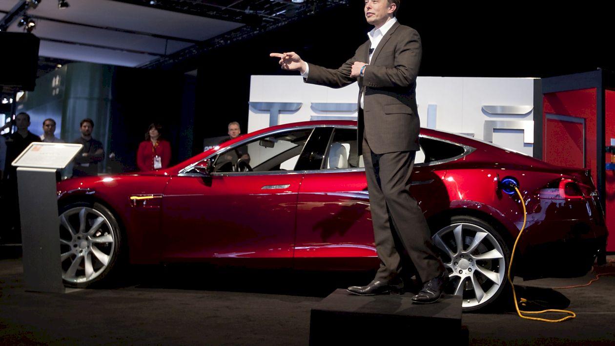 Elon Musk a anunțat că de acum Tesla poate fi cumpărată și cu bitcoin