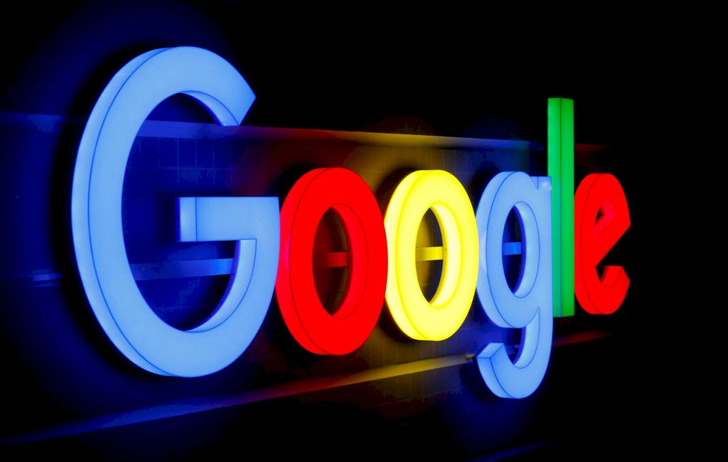 Google ofertă 1255 de burse românilor. Cum pot fi accesate