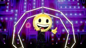 Cine a fost eliminat de la Masked Singer România? A purtat un costum de Smiley și nimeni nu l-a putut ghici