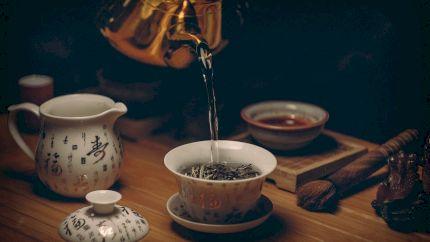 De ce este bine să bei ceai de ghimbir în fiecare zi. Medicii spun totuși să-l consumi cu atenție dacă ai aceste afecțiuni